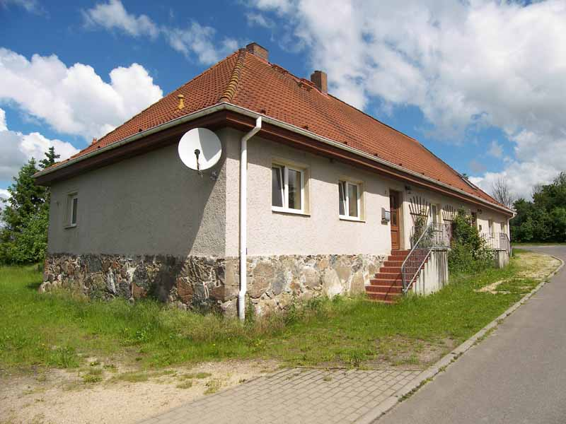 Immobilienservice claudia palm immobilien in mecklenburg for Zweifamilienhaus bilder